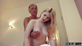 Nymphomaniac bj's grandfather bushwa and has hookup with him in her bedroom