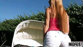 Antonya Needs A Shuttlecock flick starring (Antonya) - Mofos.com