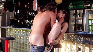Nubile orchestra Nymphomaniac Anina Silk bangs her local bartender