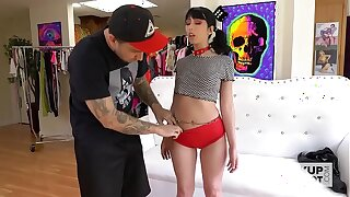 Lovely nubile Daphne Jeopardize gets munched overwrought Bryan Gozzling