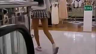 SEXY TEEN SCHOOLGIRL UPSKIRT VOYEUR - upxskirt.com