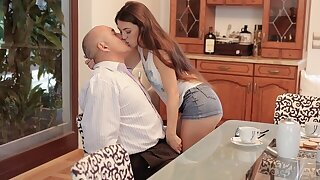 DADDY4K. Cunning man takes care of sweet girl who was angry